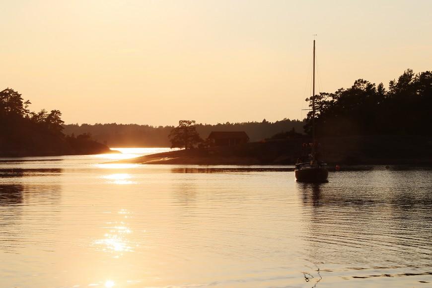 Solen går ned över Ostholmen.