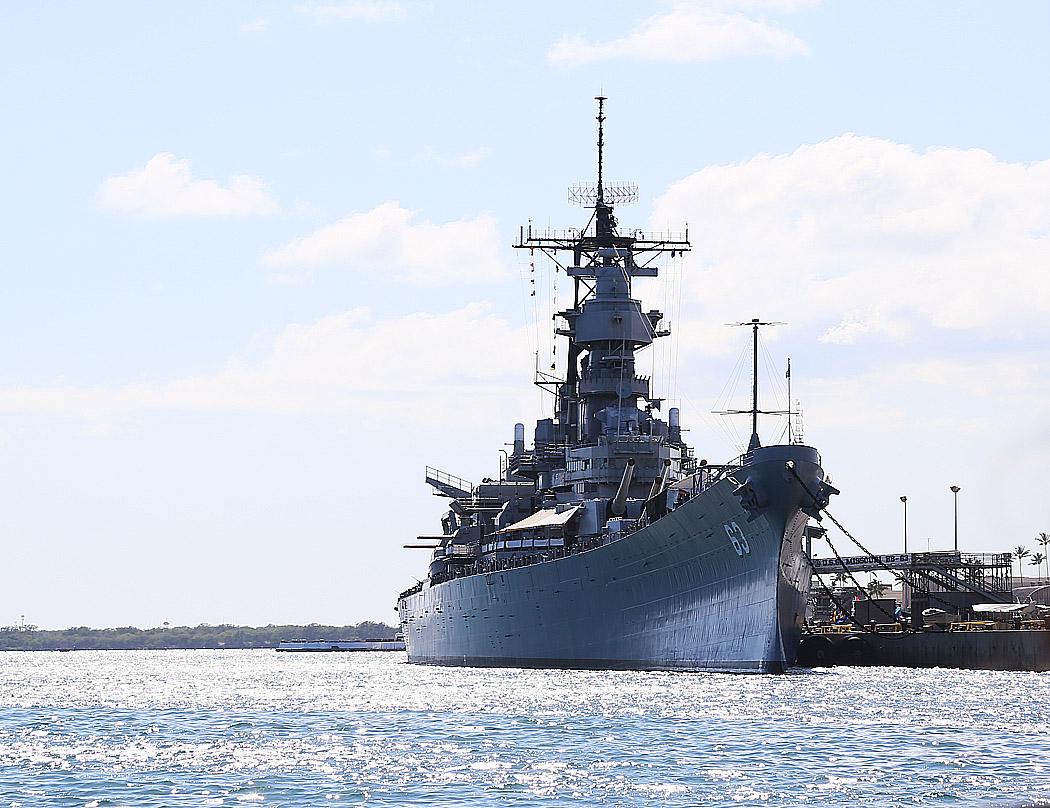 Slagskeppet USS Missouri, som beställdes 1938, sjösattes på 40-talet, pensionerades på 60-talet – och sedan remarkabelt nog togs i bruk igen under 1990-talet efter att ha varit museifartyg i 30-talet år.