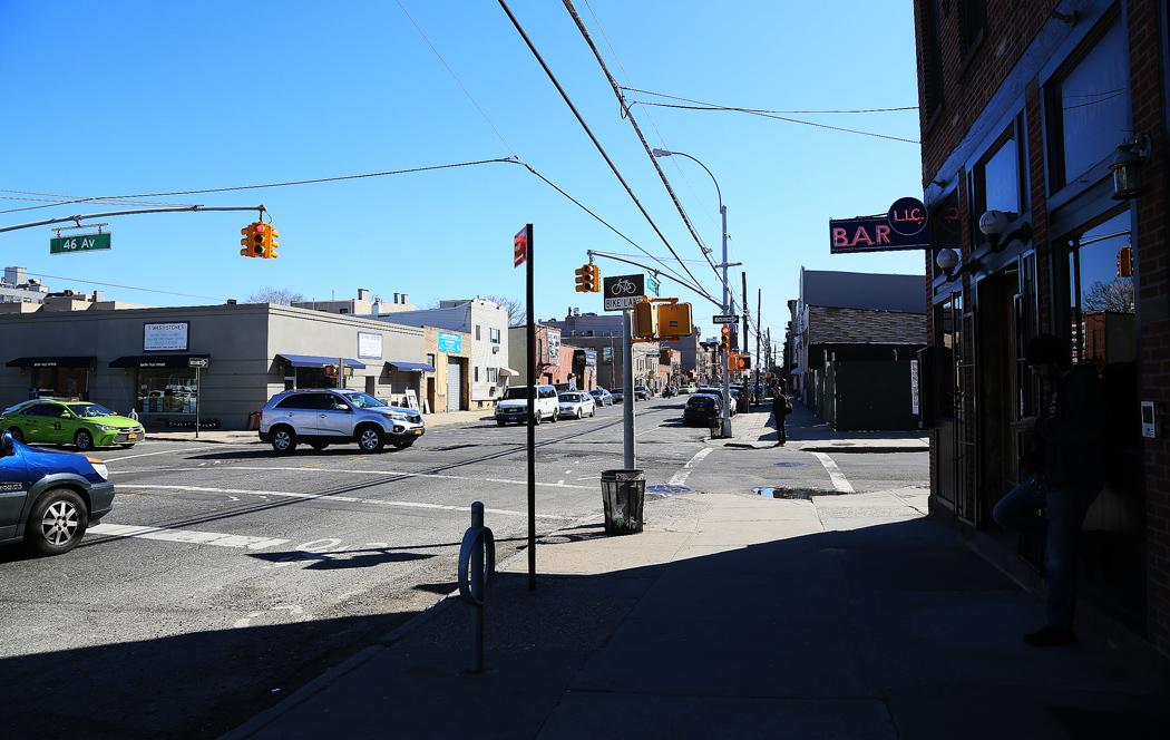 """""""Huvudgatan"""" i den här delen av Queens, Vernon Boulevard. Foto: Erik Bergin"""
