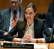 Jolie i FN.