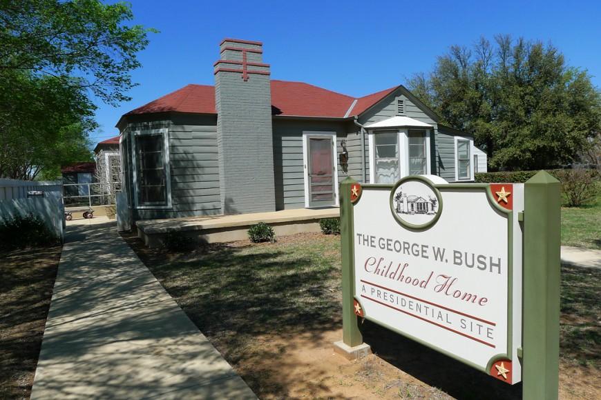 Hit till den här villan i Midland flyttade George Bush den äldre på 1940-talet, och där växte även Bush den yngre upp. Två presidenter från samma kvarter.