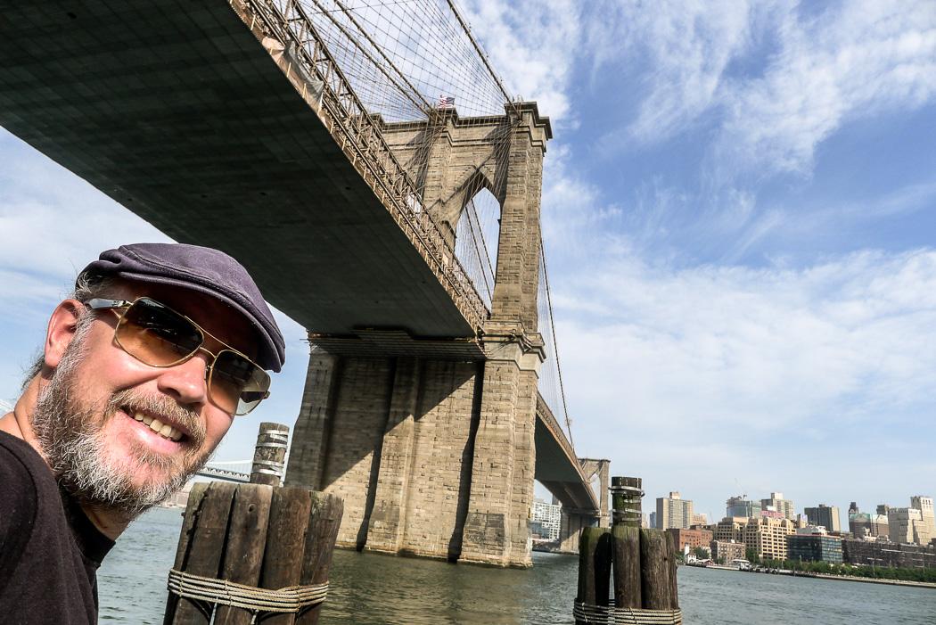 Jag under Brooklyn Bridge.