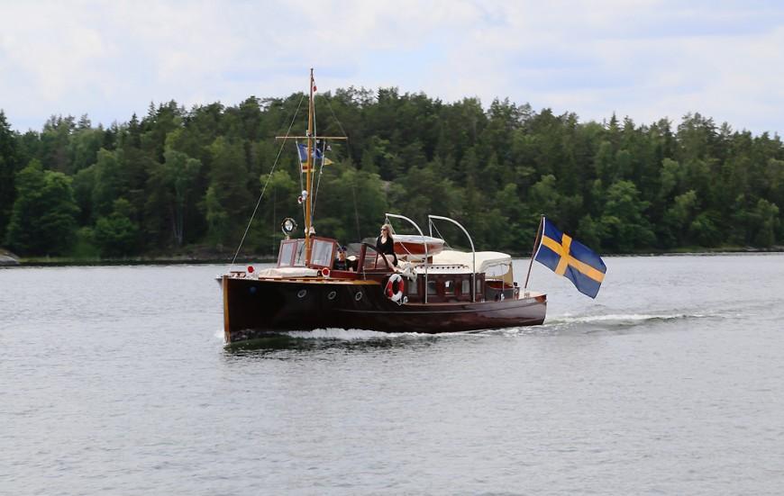 Magnifikt fin salongsbåt nära Finnhamn...