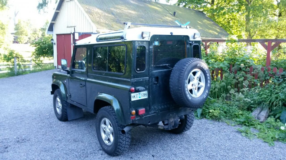 Min Land Rover Defender, 1998 års modell, med den korta hjulbasen på 90 tum.