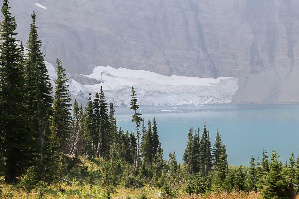 Iceberg Lake, där det faktiskt finns små isberg flytandes i augusti.
