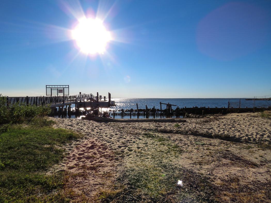 Färjepiren på Sandy Hook.
