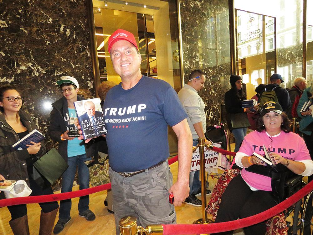 David Whalen, Trump-supporter, väntar i kön. Foto: Erik Bergin