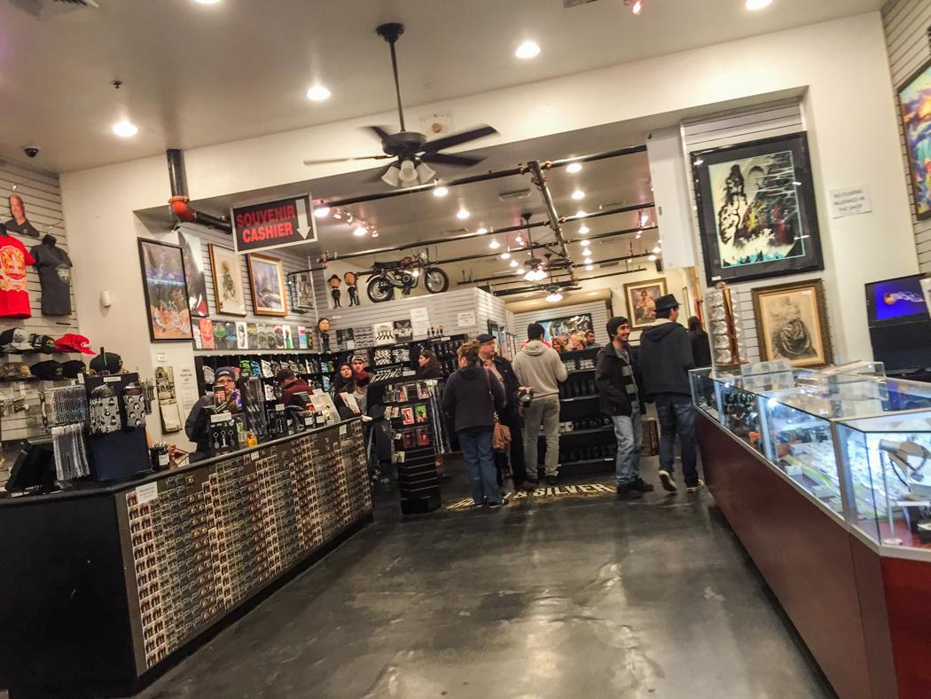 Gold & Silver Pawnshop, som blivit berömd efter att History Channel gjort en realityserie om pantbanken. Själva butiken är mindre än man anar. Läs mer: http://gspawn.com/ och http://www.history.com/shows/pawn-stars