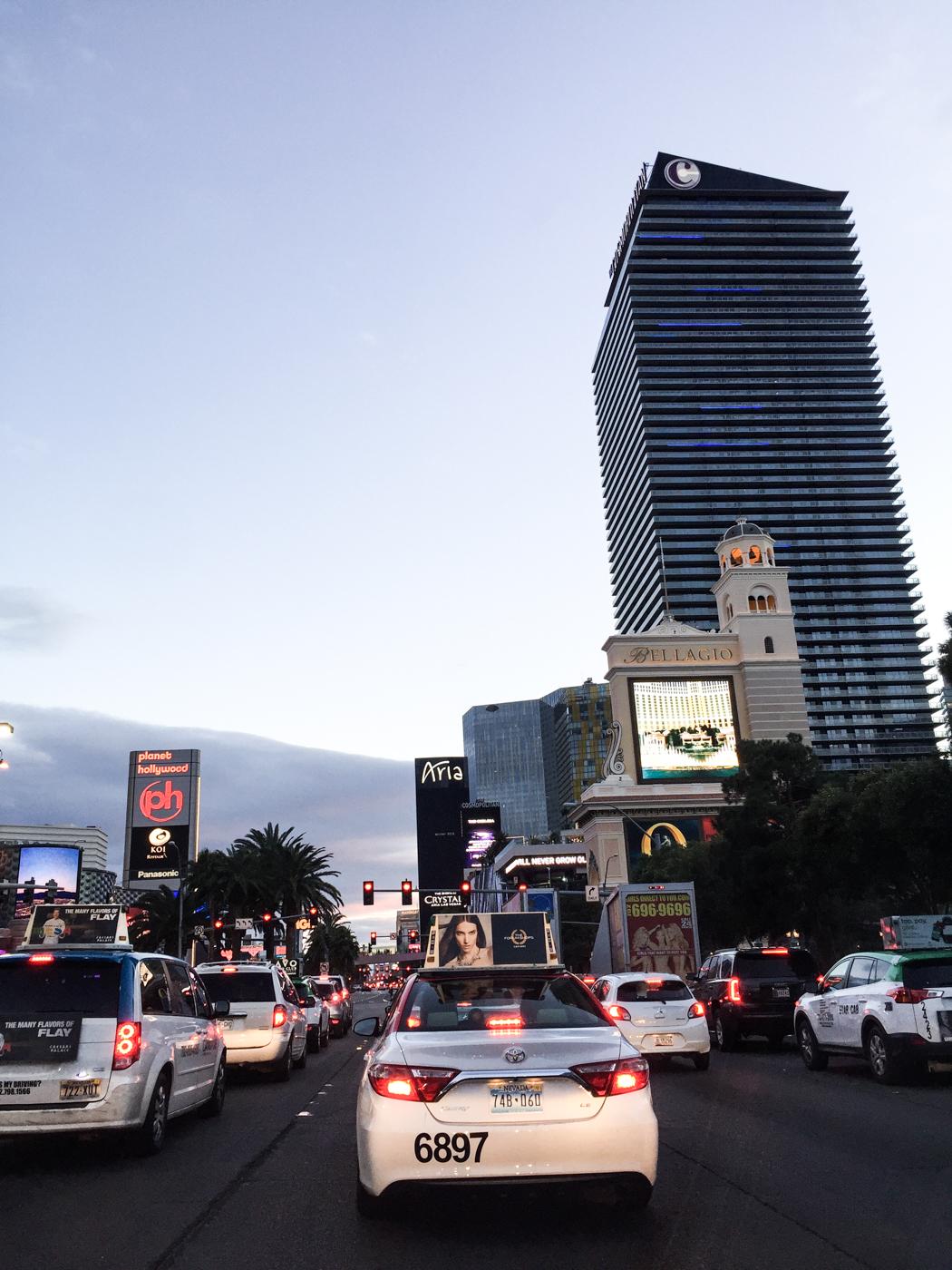 The Strip, eller Las Vegas Boulevard som den egentligen heter, på väg säderut mot flygplatsen.