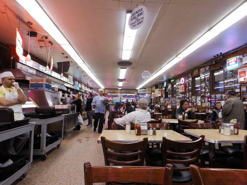 Katz's Delicatessen, East Houston Street. Foto: Erik Bergin
