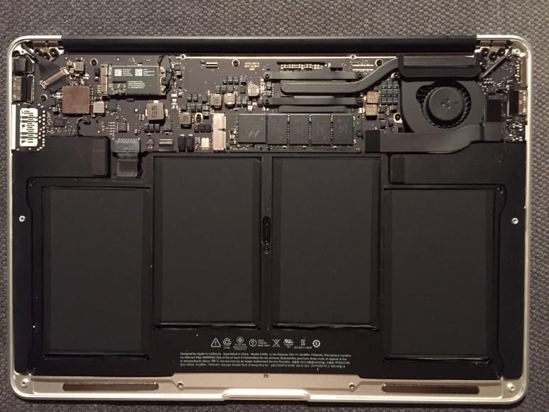 Så ser en MacBook Air ut inuti.