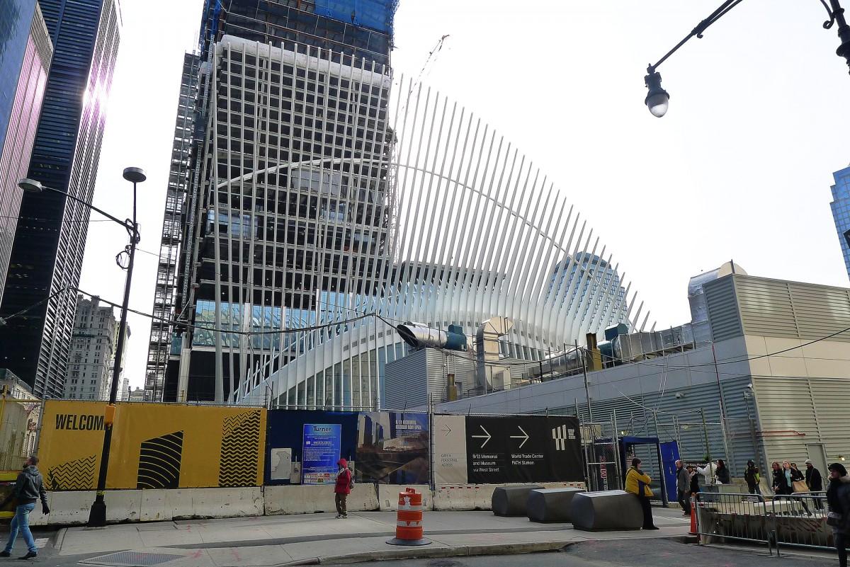 Oculus på södra Manhattan, cirka hundra meter norrut från där World Trade Centers tvillingtorn stod fram till den 11 september 2001. Foto: Erik Bergin