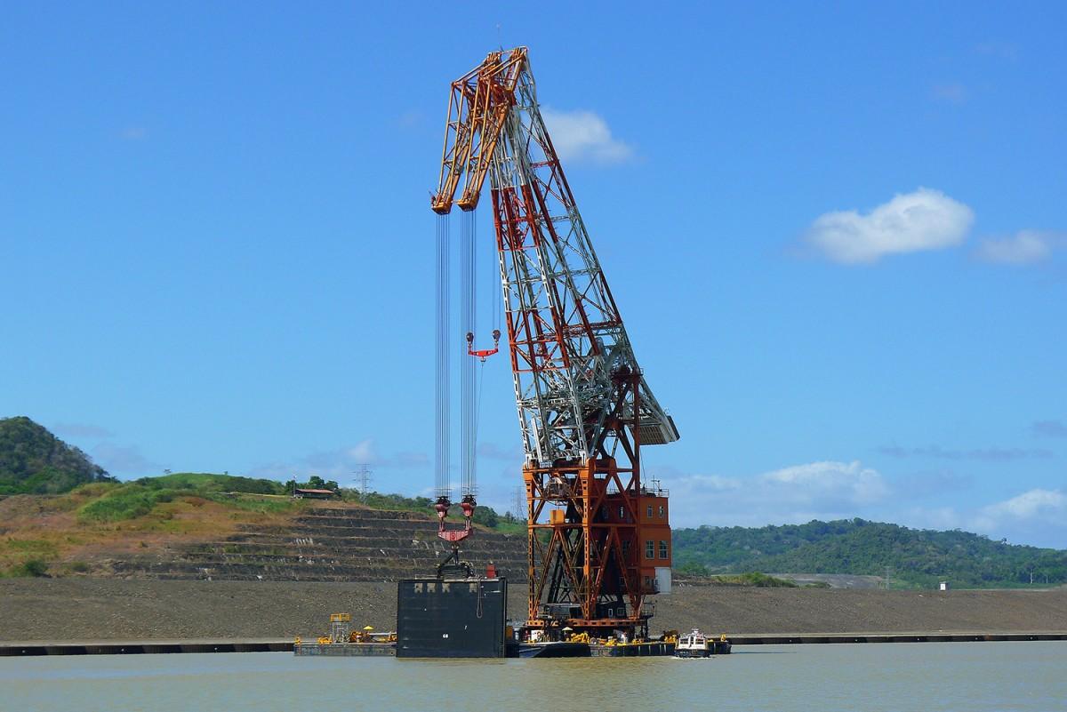Panama-canal-41