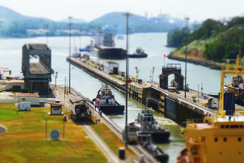 Panama-canal-miniature.jpg