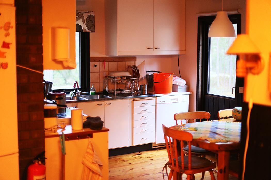 Påskköket i syskonen Dahlqvists stuga.