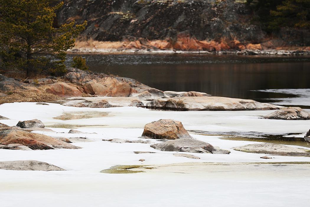 Vattnet i sundet börjar spricka upp. Foto: Erik Bergin