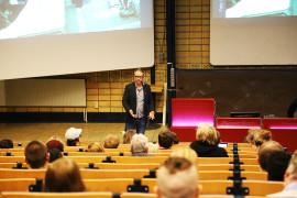 Erik föreläser i Uppsala Universitet måndagen den 14 mars 2016. Foto: Fredrik Engström