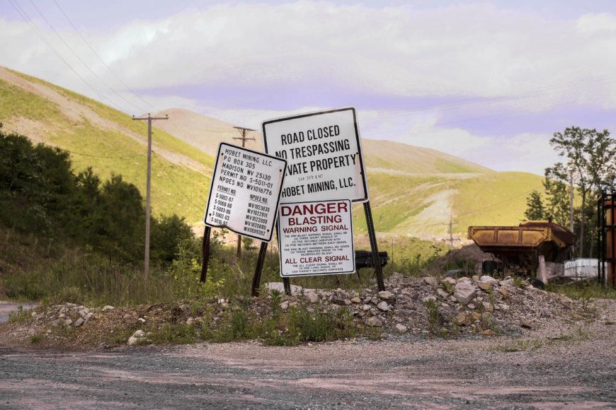 Den kontroversiella gruvområdet Hobet i West Virginia. Marken är nu mer eller mindre tömd på kol och ska återställas. Foto: Erik Bergin