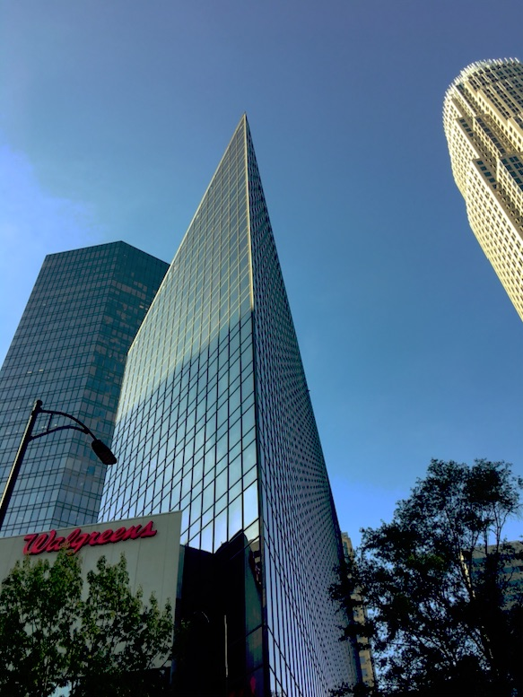 Futuristisk skyskrapa i downtown Charlotte.