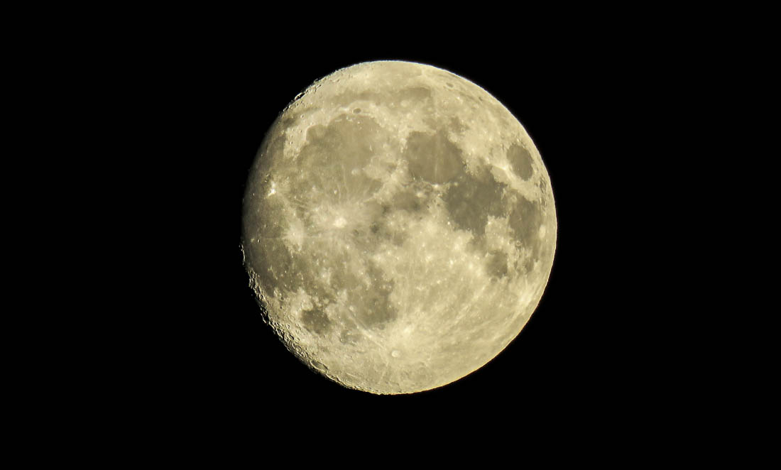 moon-nov2016-1