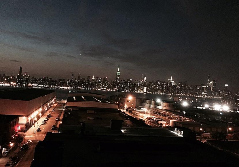 Utsökt över Manhattan från Wythe Hotels takbar. Foto: Erik Bergin