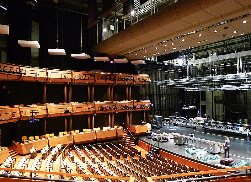 Den största av jazzkonsertlokalerna, med påstått mycket bra akustik.