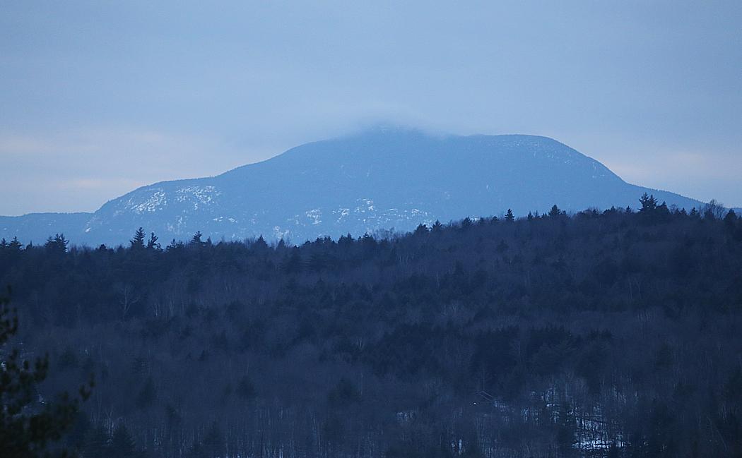 """Ett av Vermonts berg. De flesta nåt inte riktigt över trädgränsen, därav benämningen """"The Green Mountains""""."""