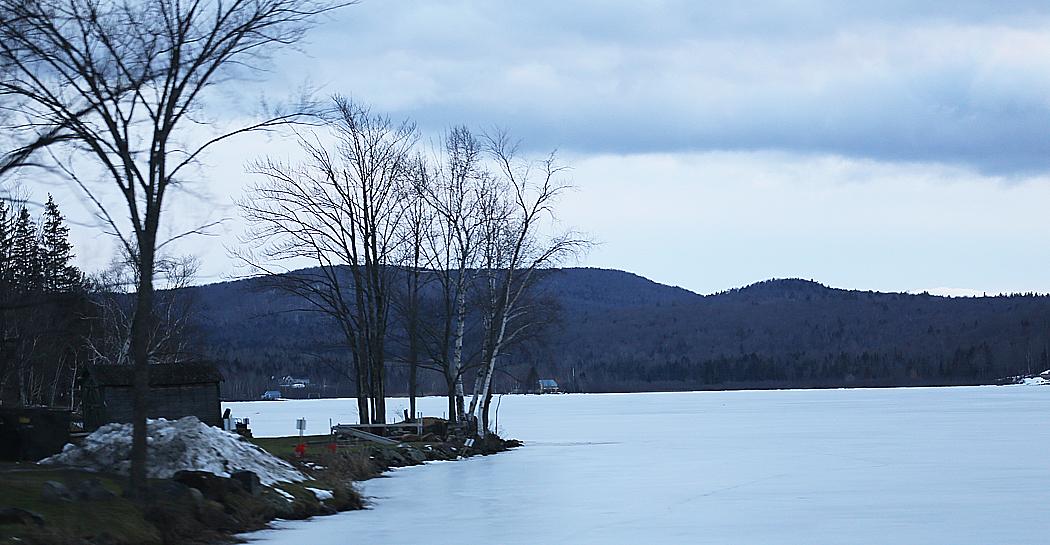 En frusen sjö.