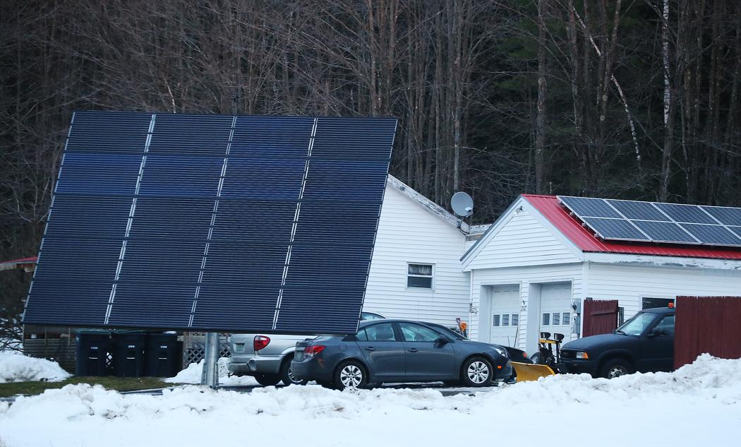 Här, mer än i vissa andra delar av USA, anstränger man sig för att använda grön el – solpaneler syns här och var. Det här är den största panel jag någonsin sett.