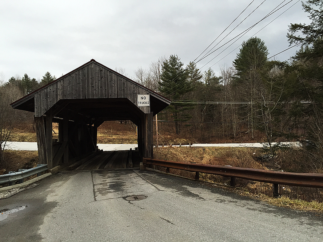 Överbyggd bro.