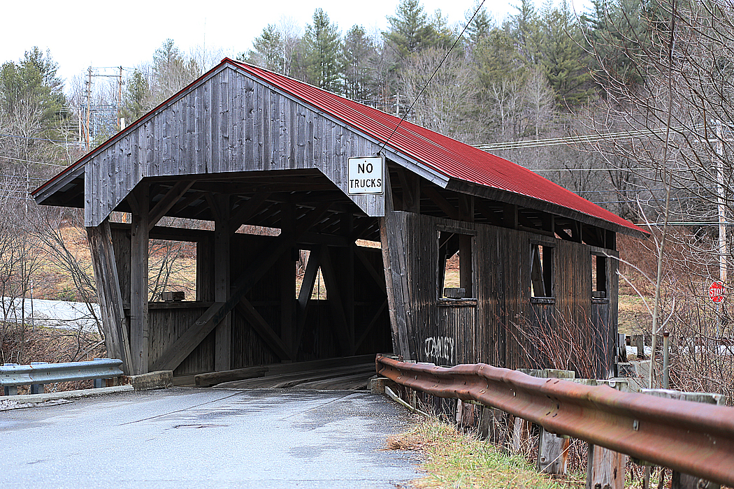 Ännu en av de överbyggda broarna.