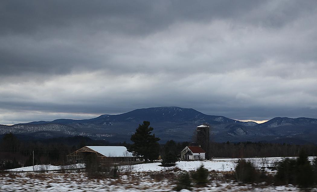 Ett berg i fjärran.