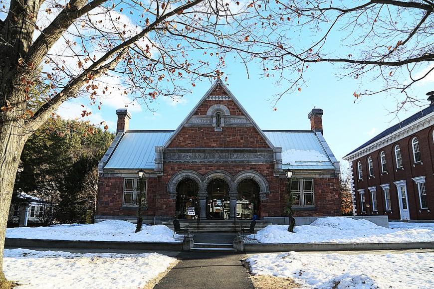 Biblioteket i Woodstock, Vermont, är lika pittoreskt som resten av byn.