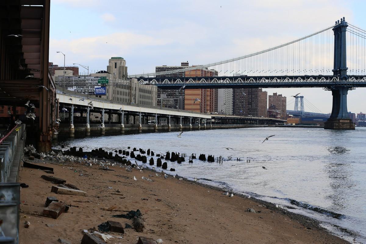Södra Manhattan vid East River.