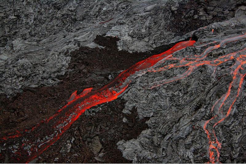 Lavaflöde på Hawaii. Foto: Mila Zinkova
