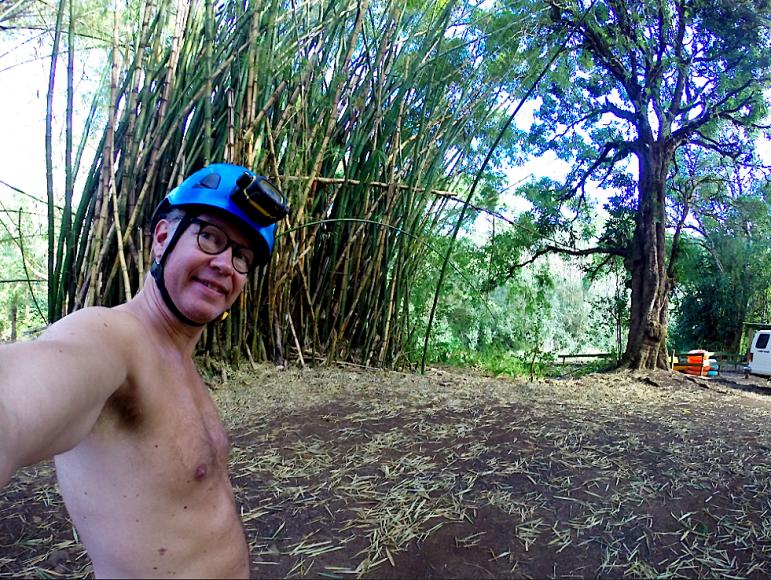 Strax innan jag embarkerar min gummiring. Notera bamburören bakom.