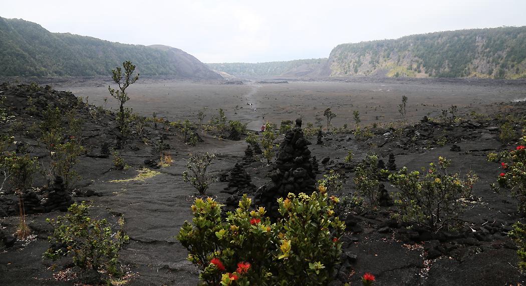 På Kilauea Iki-kraterns botten.