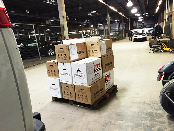 Lagret vid 150 Pulanski Street, Bayone, NJ. Härifrån går lådorna med lastfartyg till Göteborg.
