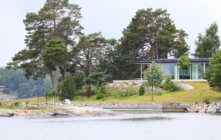 Den privata bryggan strax nedanför huset.