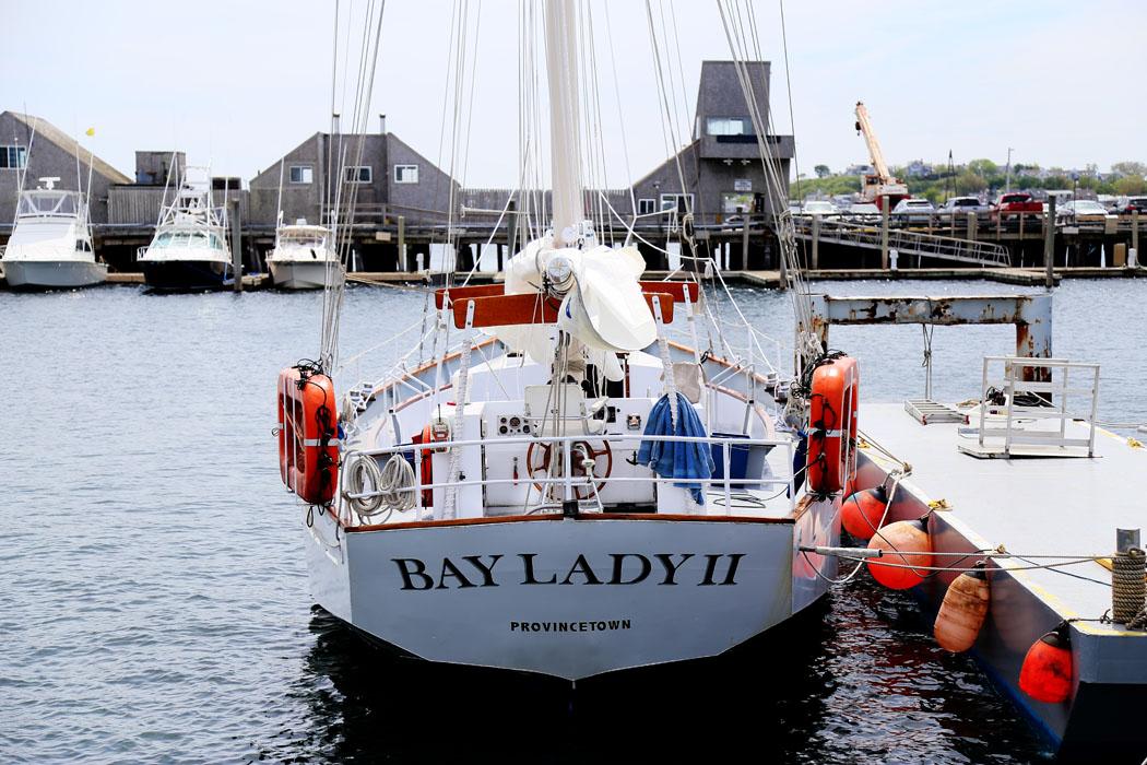 En segelbåt vid Provincetown, Cape Cod.