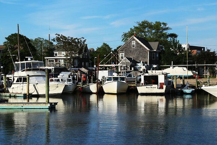Hamnen i Hyannis, Rhode Island.