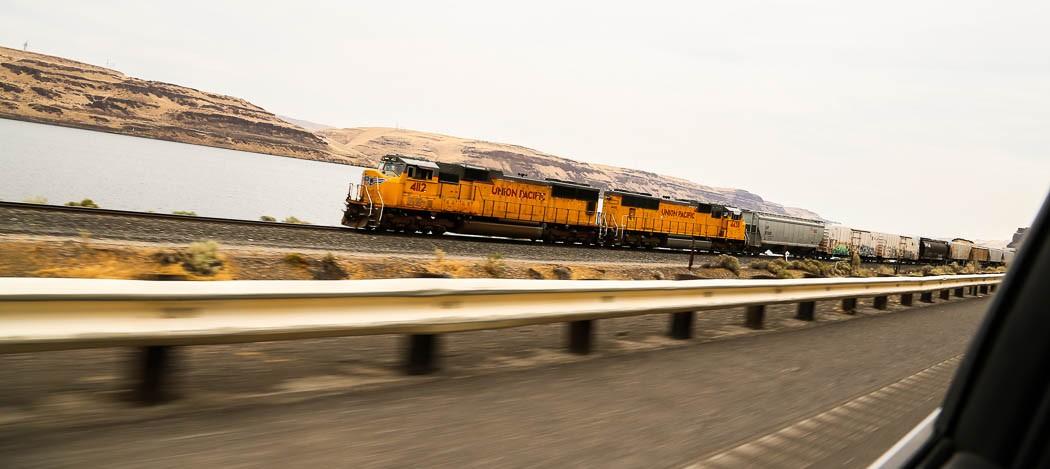 Trainspotting från hyrbilen.