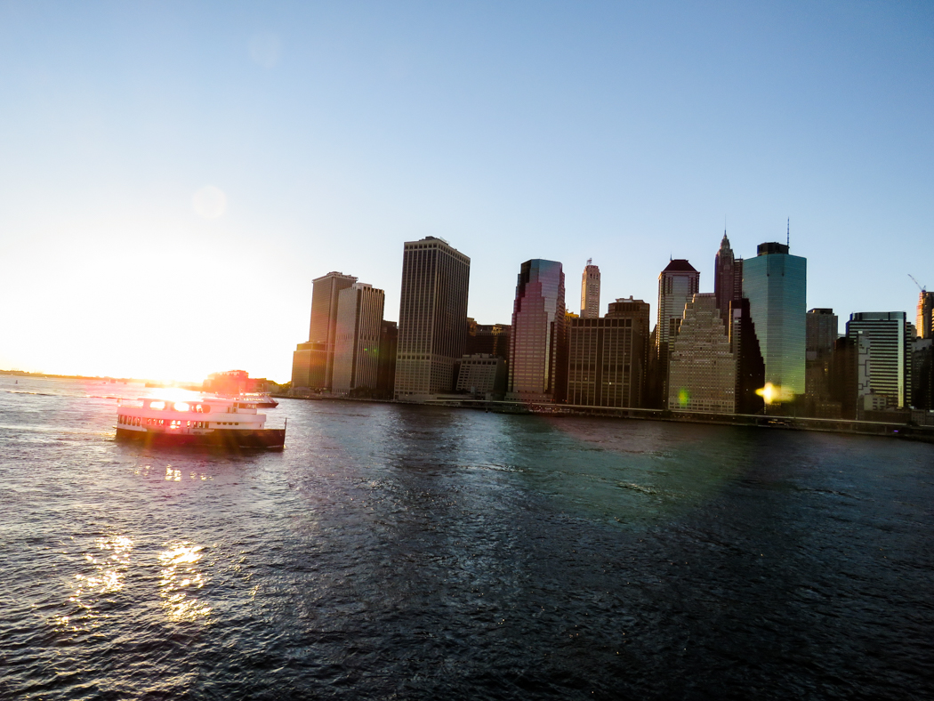 Manhattan i kvällsljus.