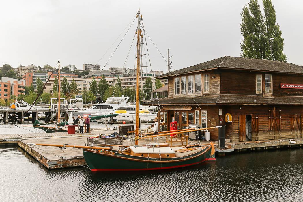 Center For Wooden Boats, där träbåtar renoveras och säljs.