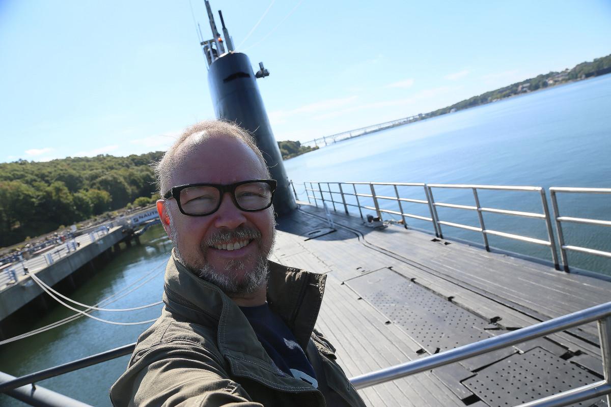 Jag ombord på USS Nautilus, vid ubåtsmuseet vid Groton, ett par mil norr om New York City.
