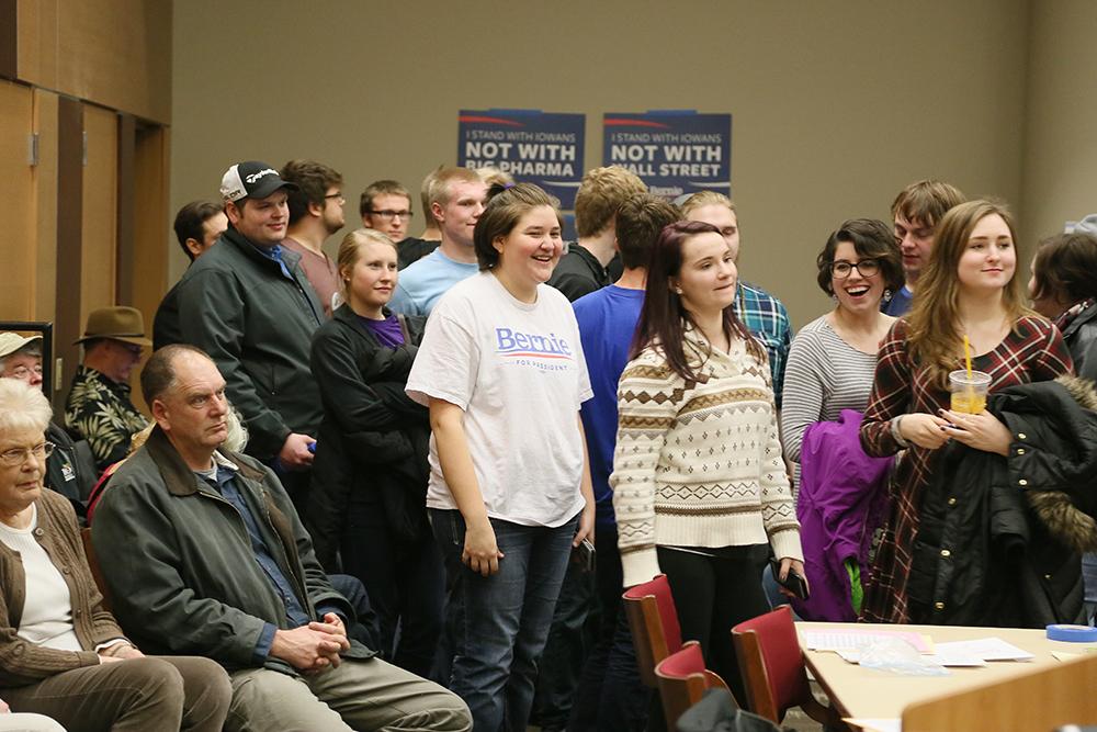 Här röstar demokrater vid Iowas caucus.