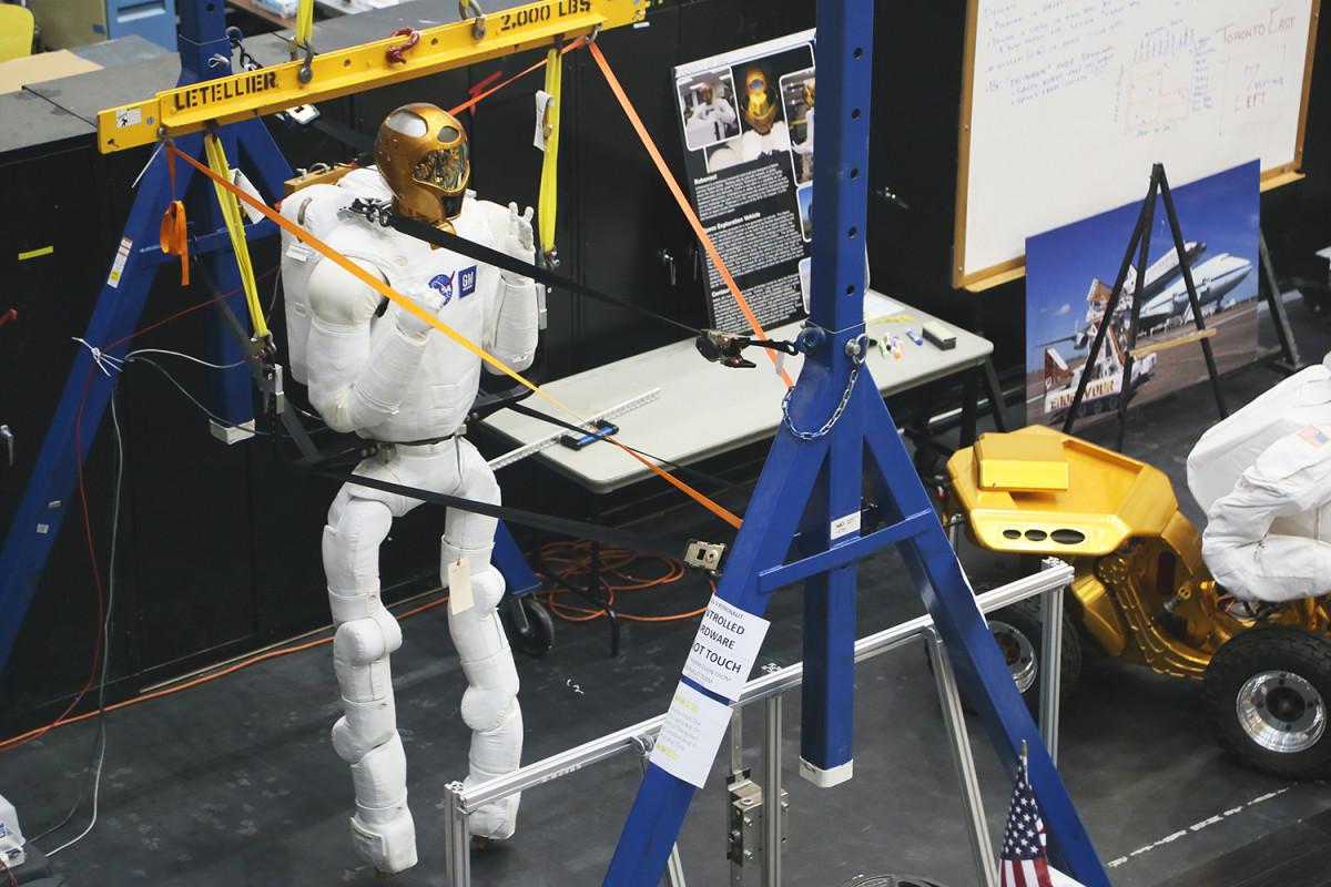 Den här roboten ska vara på väg att börja användas i rymden.
