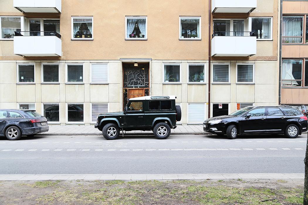 Bilen parkerad nära Radiohuset på Gärdet.