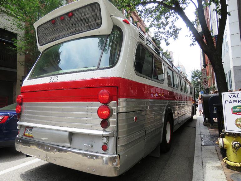 En veteranbuss som hyrs ut för evenemang. Foto: Erik Bergin