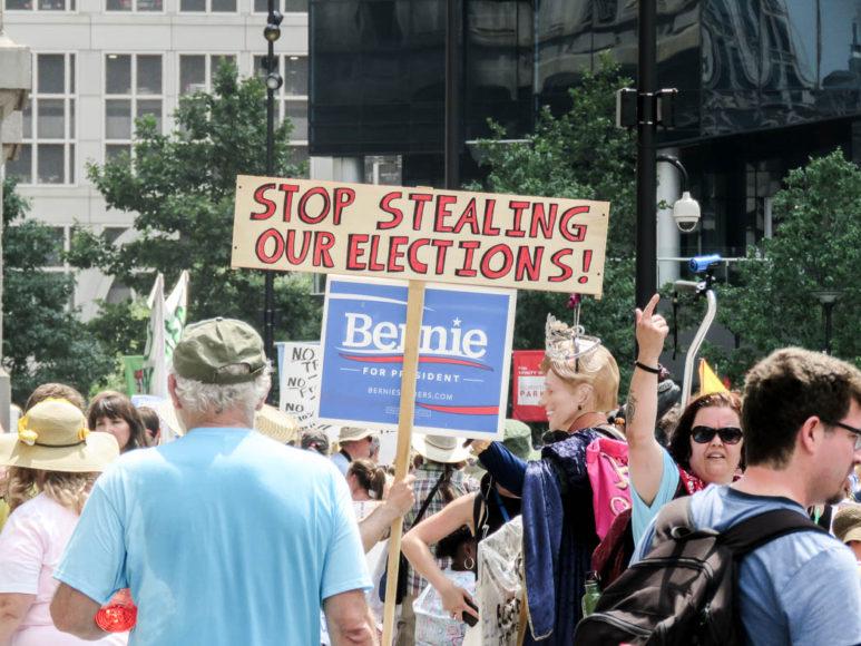 Demonstrationer mot Hillary Clinton och för Bernie Sanders under Demokraternas konventsvecka i Philadelphia. Foto: Erik Bergin